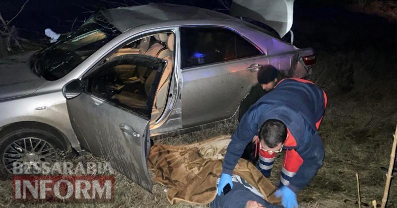 На трассе Одесса-Рени в Саратском районе Toyota Camry слетела в кювет, есть пострадавший