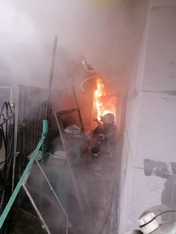 Оставленный включенным в сеть удлинитель стал причиной пожара в недострое в общем дворе Аккермана