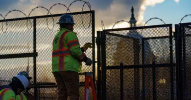 Патрули и перекрытие дорог: как Вашингтон приготовился к сегодняшней инаугурации Байдена