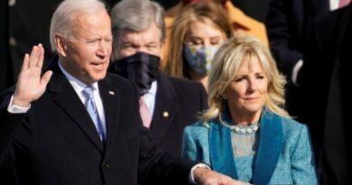 Джо Байден официально стал новым президентом США: основные тезисы речи и фоторепортаж с инаугурации