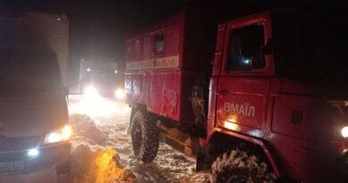 В Одесской области продолжают устранять последствия непогоды: трасса Одесса-Рени закрыта, более 100 населенных пунктов обесточены