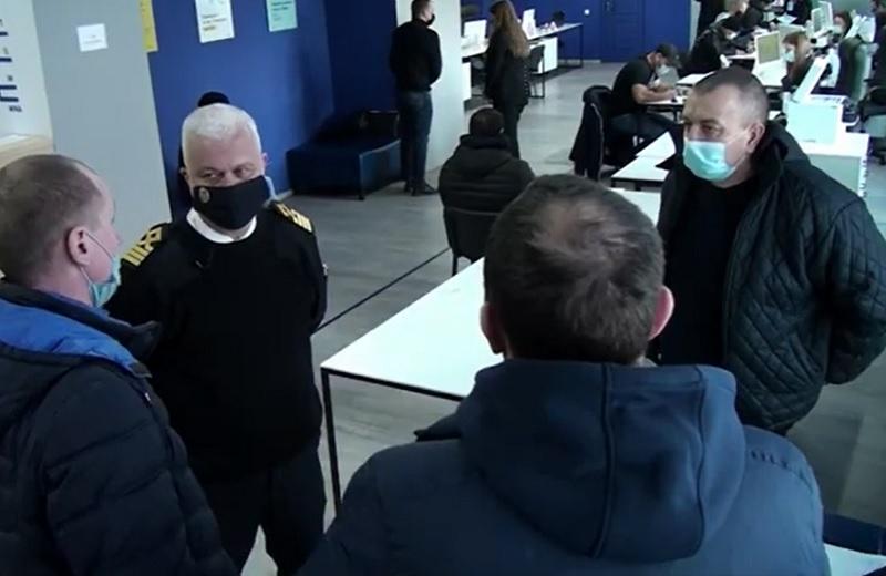 И.о. главы Морской администрации пообщался в Одессе с моряками, узнав их мнение о новой системе тестирования