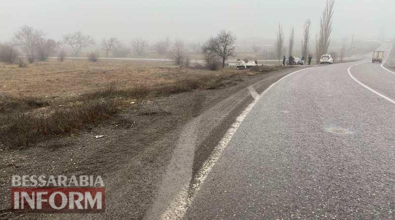 Не доехали на курорт: на трассе Одесса-Рени из-за беспечности водителя перевернулся Mercedes c детьми в салоне