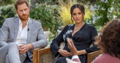 В Великобританни разгорелся скандал из-за интервью Меган Маркл и принца Гарри о жизни в Букингемском дворце