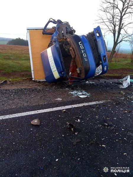 В Николаевской области на дороге погиб водитель, перевозивший гробы с умершими от коронавируса