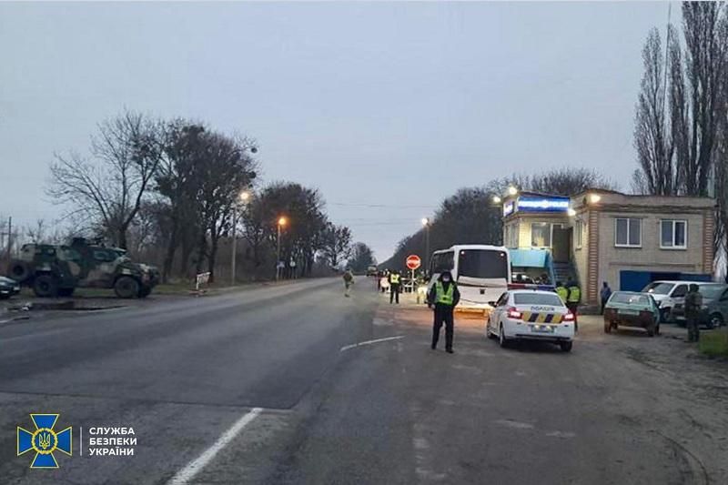 Хотели создать картинку для росСМИ: на въезде в Харьков задержали автобусы с титушками