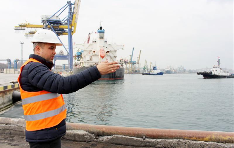 В порту Черноморск начинаются работы по капремонту одного из причалов