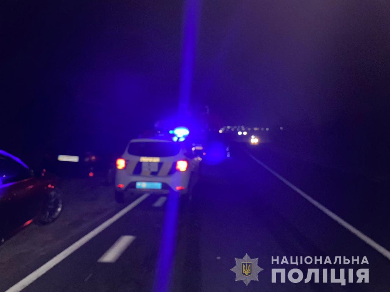 В Одесской области при столкновении фуры и иномарки погиб мужчина, его дочь госпитализировали