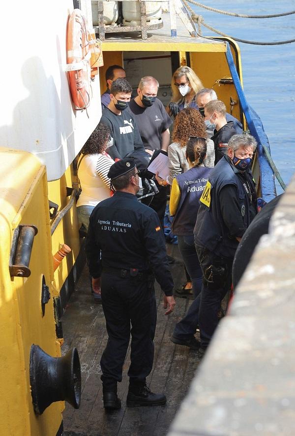 В Испании за перевозку почти 18 тонн гашиша задержали троих украинских моряков