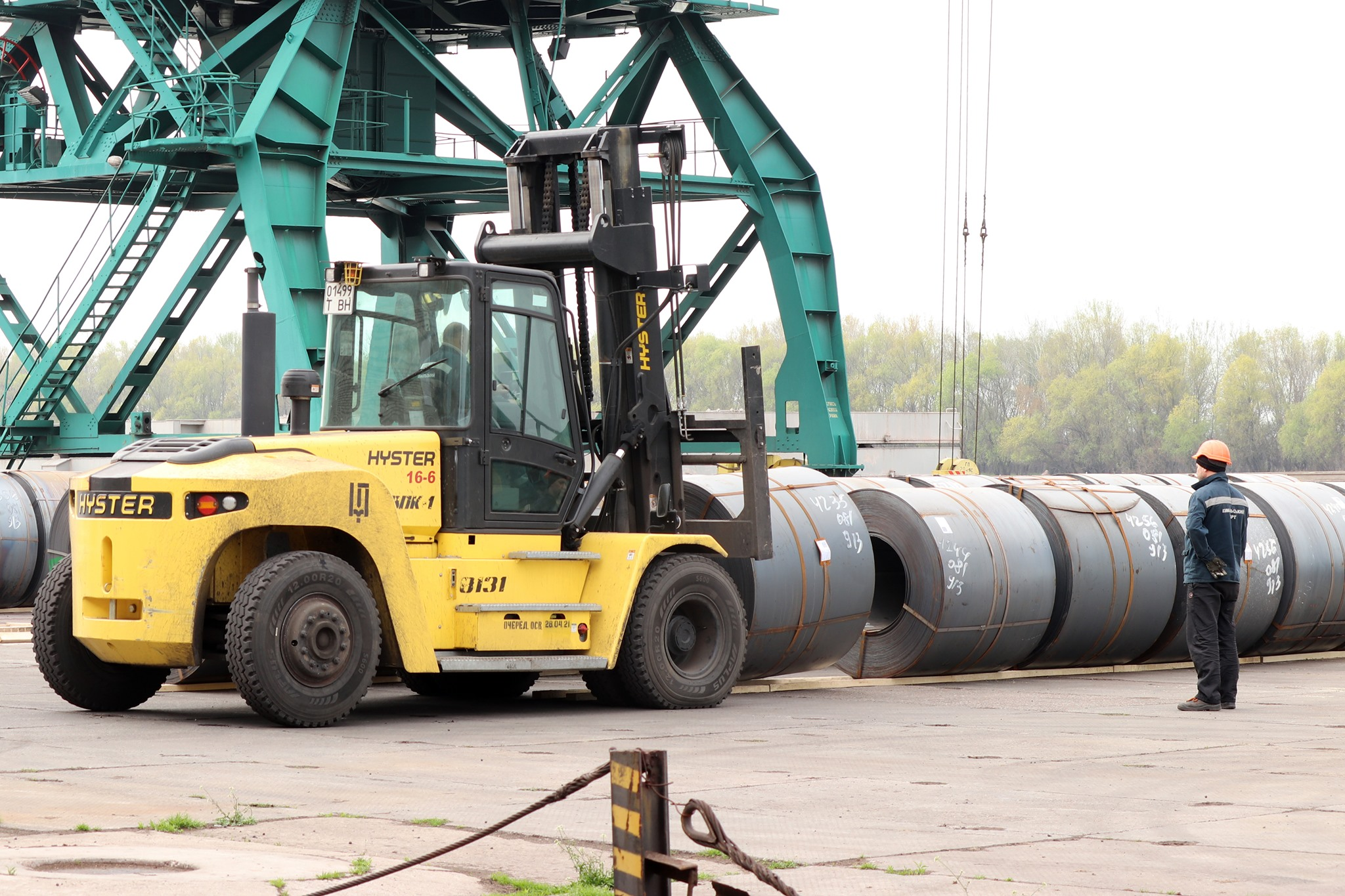 В Измаильском порту впервые разгрузили баржу грузоподъёмностью свыше 5 тысяч тонн