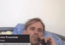 Казусы удаленной работы: эстонский депутат курил в постели и слушал музыку во время онлайн-заседания парламента (видео)