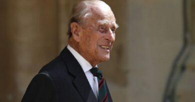 Умер муж королевы Елизаветы II принц Филипп: он не дожил два месяца до своего 100-летия