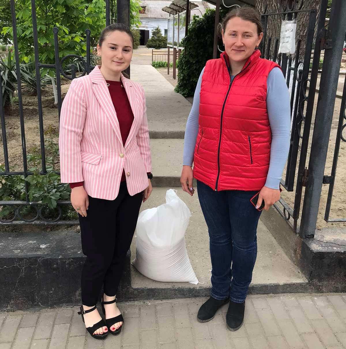 Почетный гражданин Килийской громады Марк Дубовой традиционно поздравил ветеранов и многодетных мам