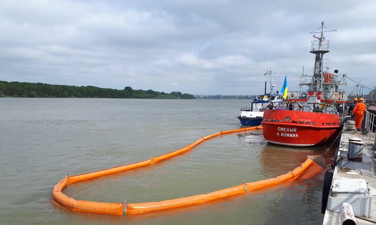 Возгорание контейнера и разлив топлива в Дунай: в порту Рени провели учения