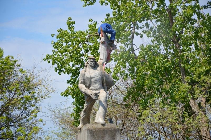 Коммунальщики активно готовят Килию ко Дню Победы