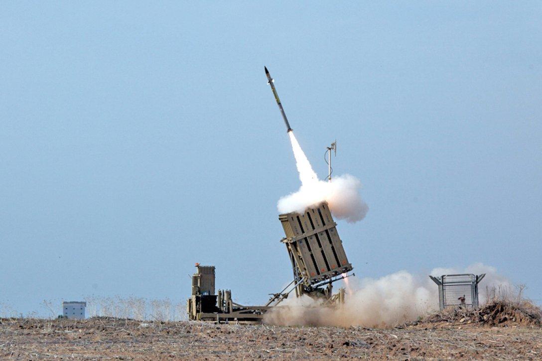 """Как работает знаменитая система ПВО Израиля """"Железный купол"""" и сколько это стоит"""
