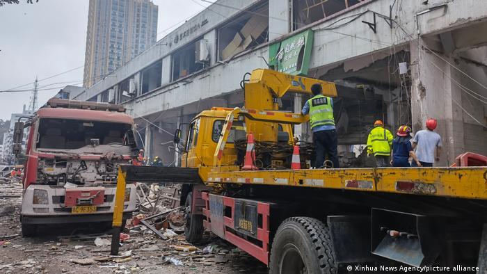 Взрыв на рынке в Китае унес жизни не менее 12 человек