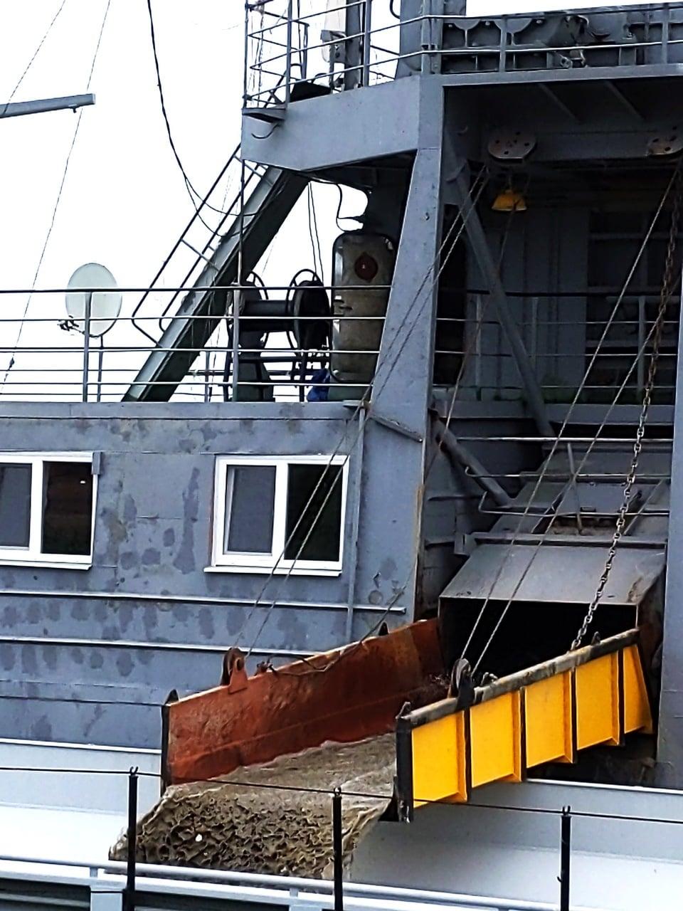 В акватории Измаильского порта стартовали работы по дноуглублению, которые должны увеличить его потенциал