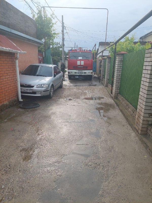 Ливень затопил дворы частных домов в нескольких районах Бессарабии