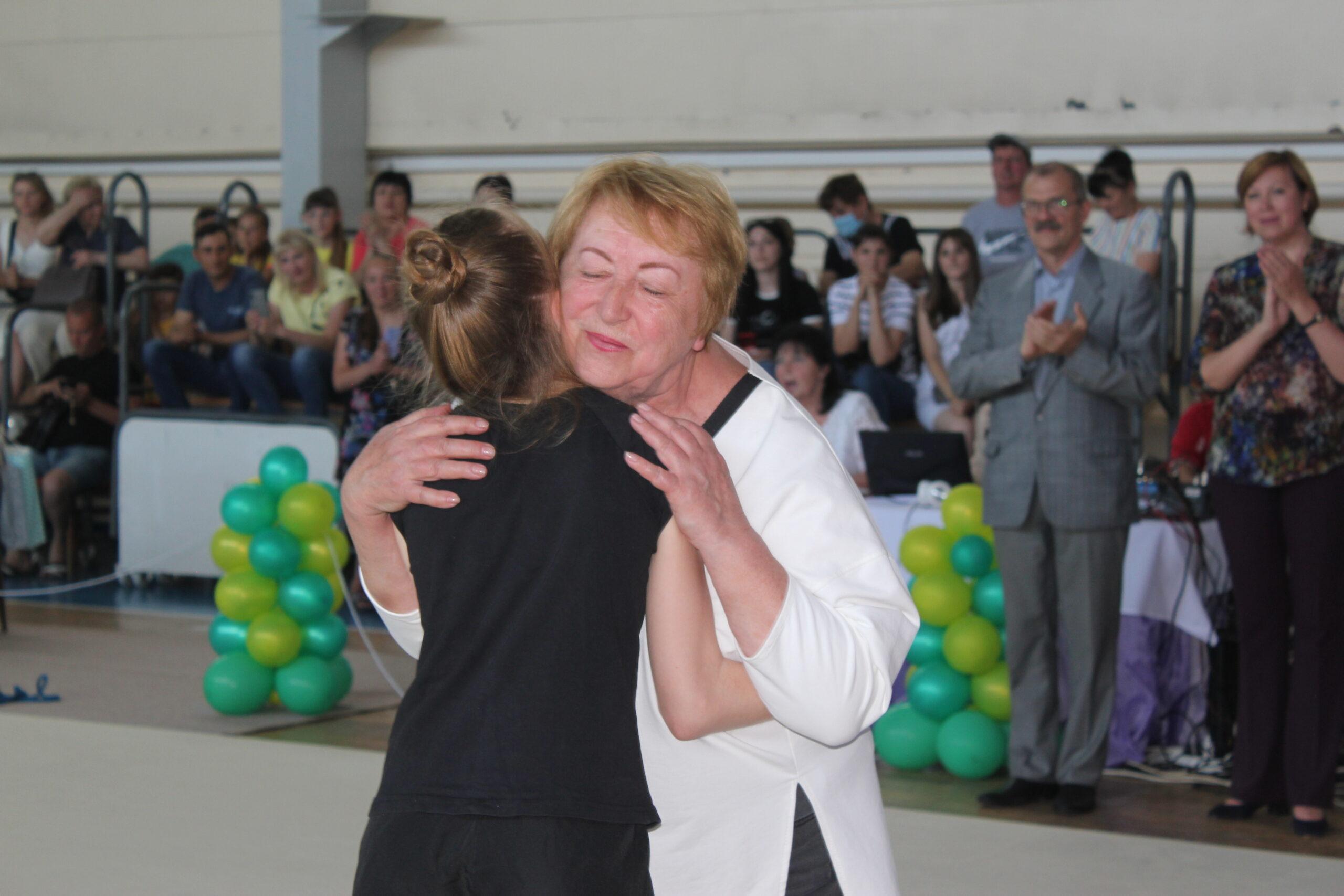 В Измаиле стартовал турнир по художественной гимнастике, на который приехали и участники из ближнего зарубежья