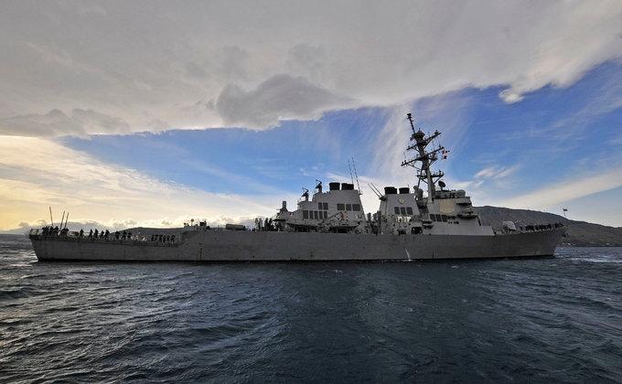 Для обеспечения безопасности: ракетный эсминец США идет в Черное море