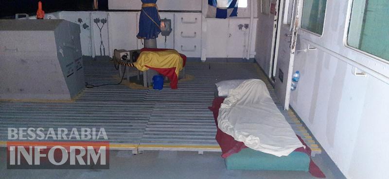 Моряк из Килии застрял на обесточенном судне в Восточной Африке, где из-за сильной жары скончался его коллега