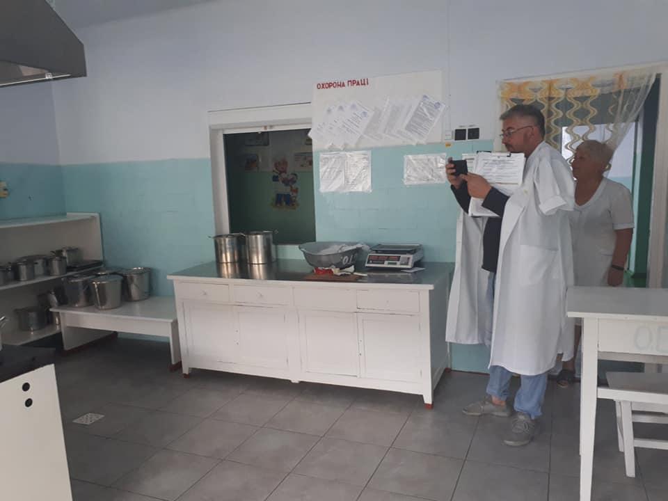 Эксперт проекта #DECIDE проверил пищеблоки в школах Килийской громады