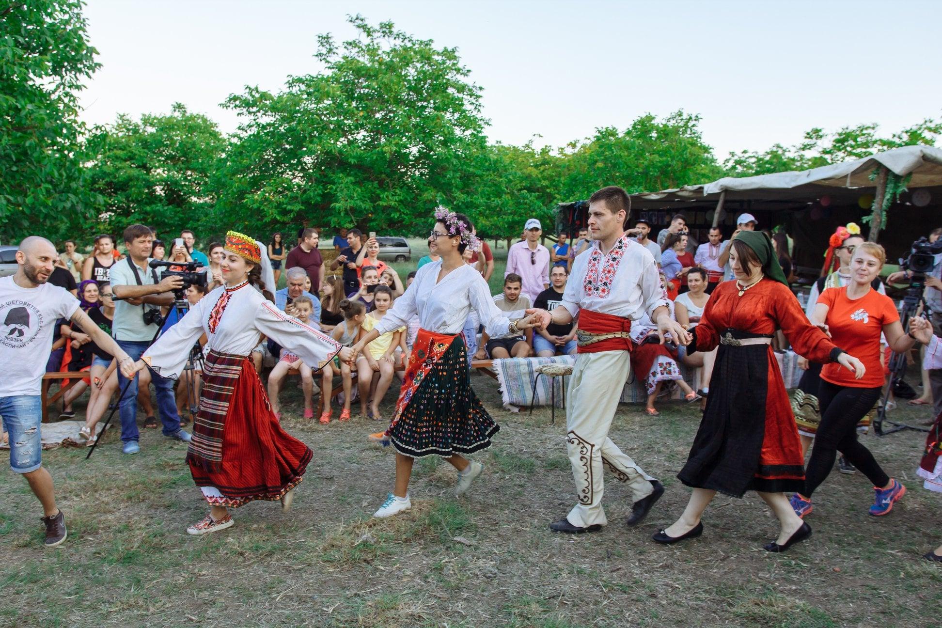 До последнего стоящего на ногах: в колоритном селе Бессарабии пройдет традиционная встреча болгар