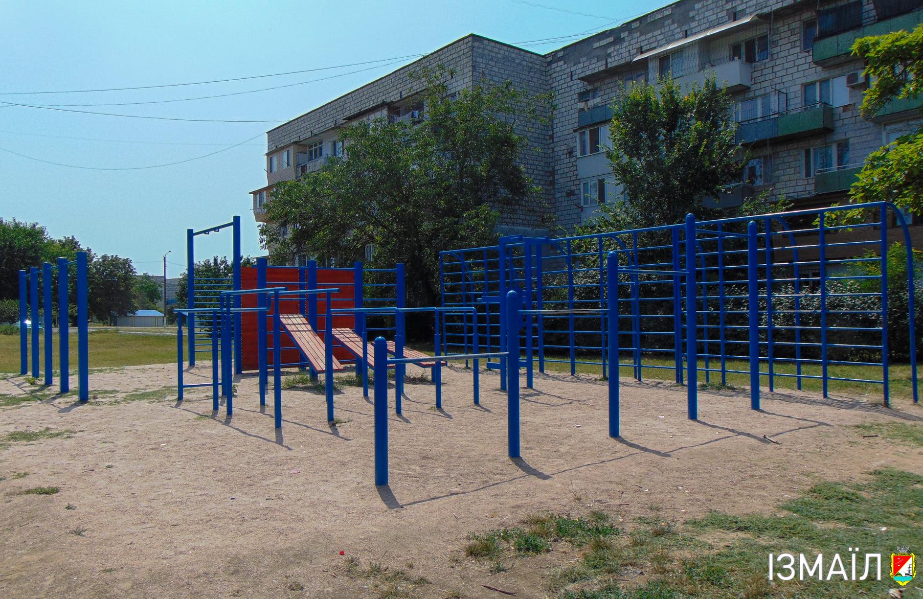 В Измаиле благоустроили двор одного из самых больших жилых комплексов города: где и какие работы ведутся еще
