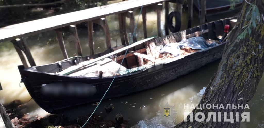 Лодки-близнецы: пограничники обнаружили в устье Дуная плавсредства с одинаковыми номерами