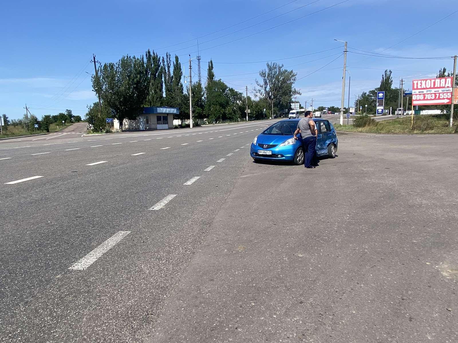Сорванный отдых на море и встреча с внуком: из-за невнимательности на трассе Одесса-Рени столкнулись BMW и Honda (фото)
