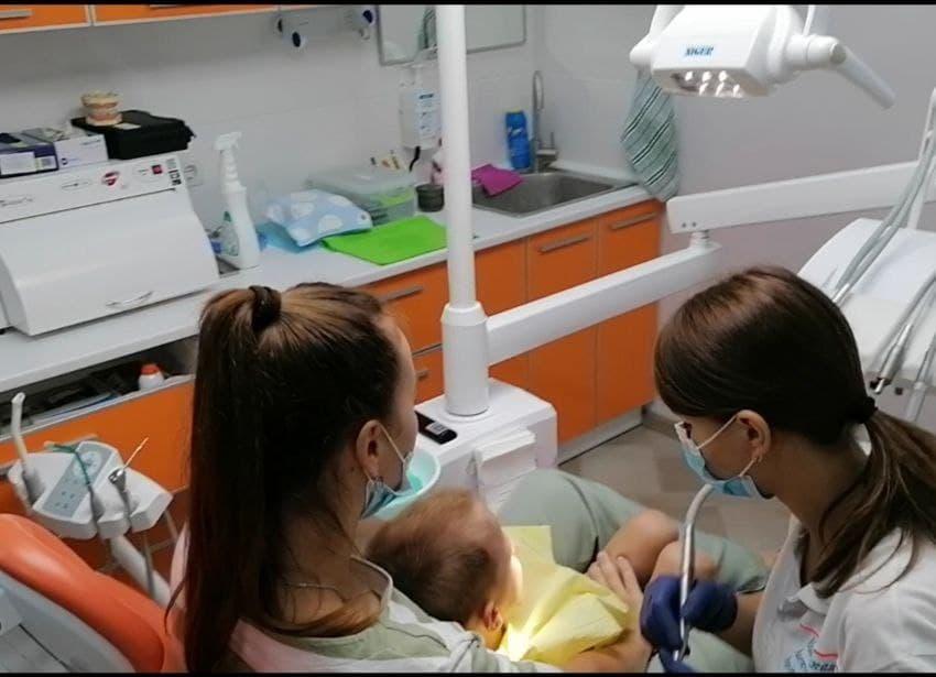 В Измаиле стоматологическая клиника «Vitaline» продолжила свой «марафон добра», даря воспитанникам Дома малютки здоровые улыбки (партнерский материал)