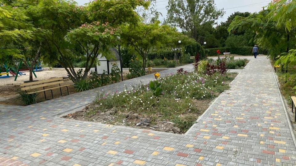Современный парк в маленьком селе: Килийская громада пополнилась благоустроенными местами для отдыха