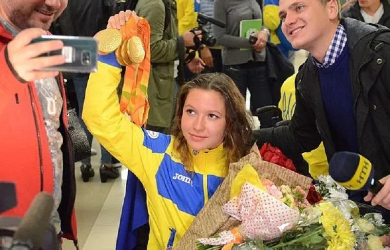 """Есть первое """"золото""""! Украинка с рекордом стала чемпионкой Паралимпиады-2020"""