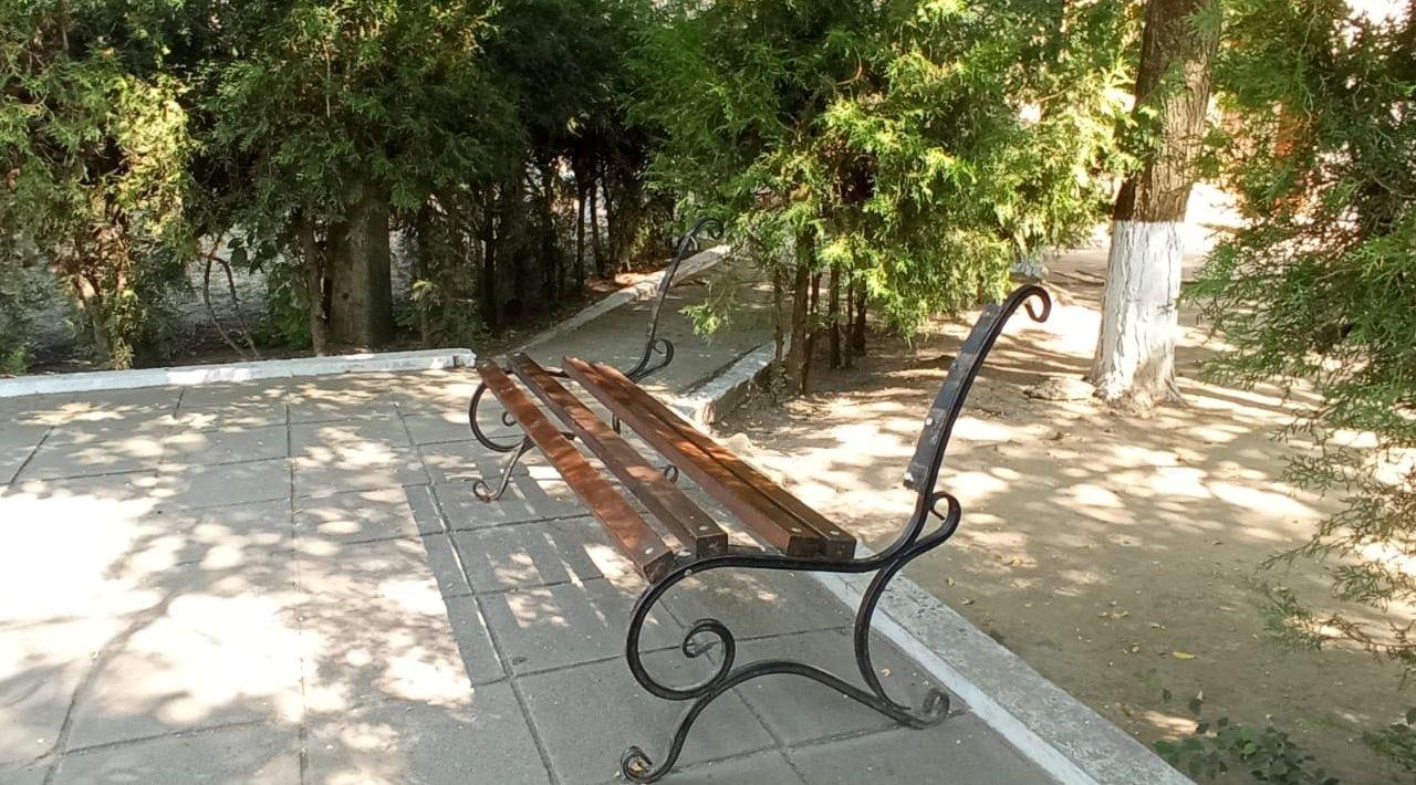 Килия: неизвестные разобрали лавочки в Сквере Памяти, оставив одни каркасы - злоумышленников ищет полиция