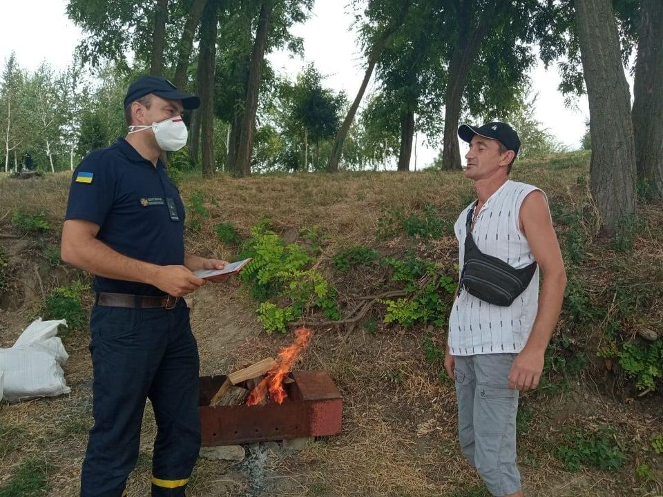В Измаиле спасатели провели очередной рейд на стихийном пляже, призывая НЕ купаться в Дунае