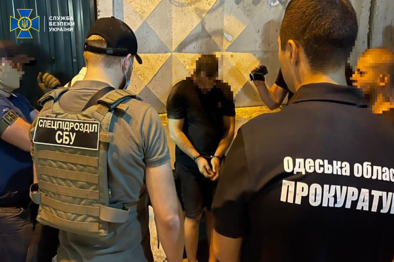 """СБУ задержала молдаванина-лидера банды рэкетиров, """"кошмаривших"""" жителей Одесской области"""