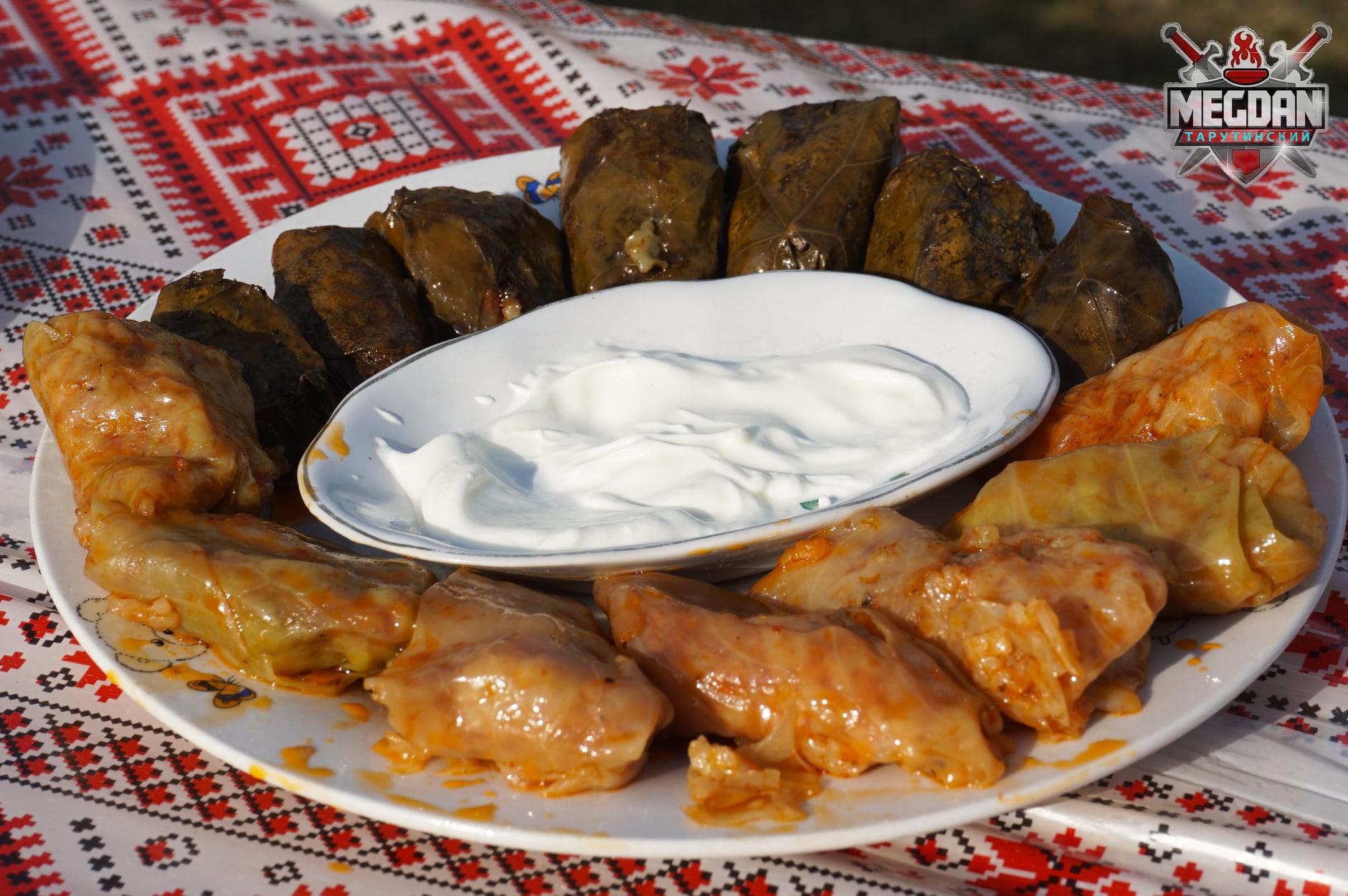 Самый длинный стол с бессарабскими блюдами: в Тарутино установлен национальный рекорд Украины