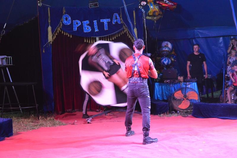 """За кулисами цирка: """"БИ"""" побывала в гостях у артистов шапито, месяц гастролировавшего в Бессарабии"""
