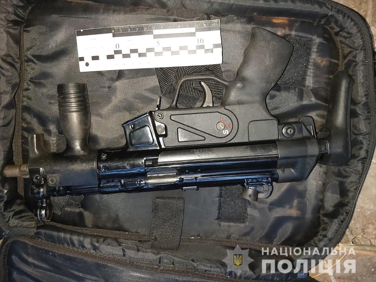 Есть все основания полагать, что убийство - заказное: полицейские установили личность киллера, застрелившего мужчину в Одессе, а также задержали его сообщника
