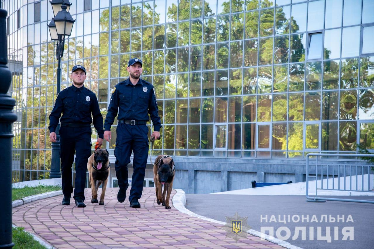 За порядком во время празднования Дня независимости в населенных пунктах Одесщины следит более двух тысяч правоохранителей
