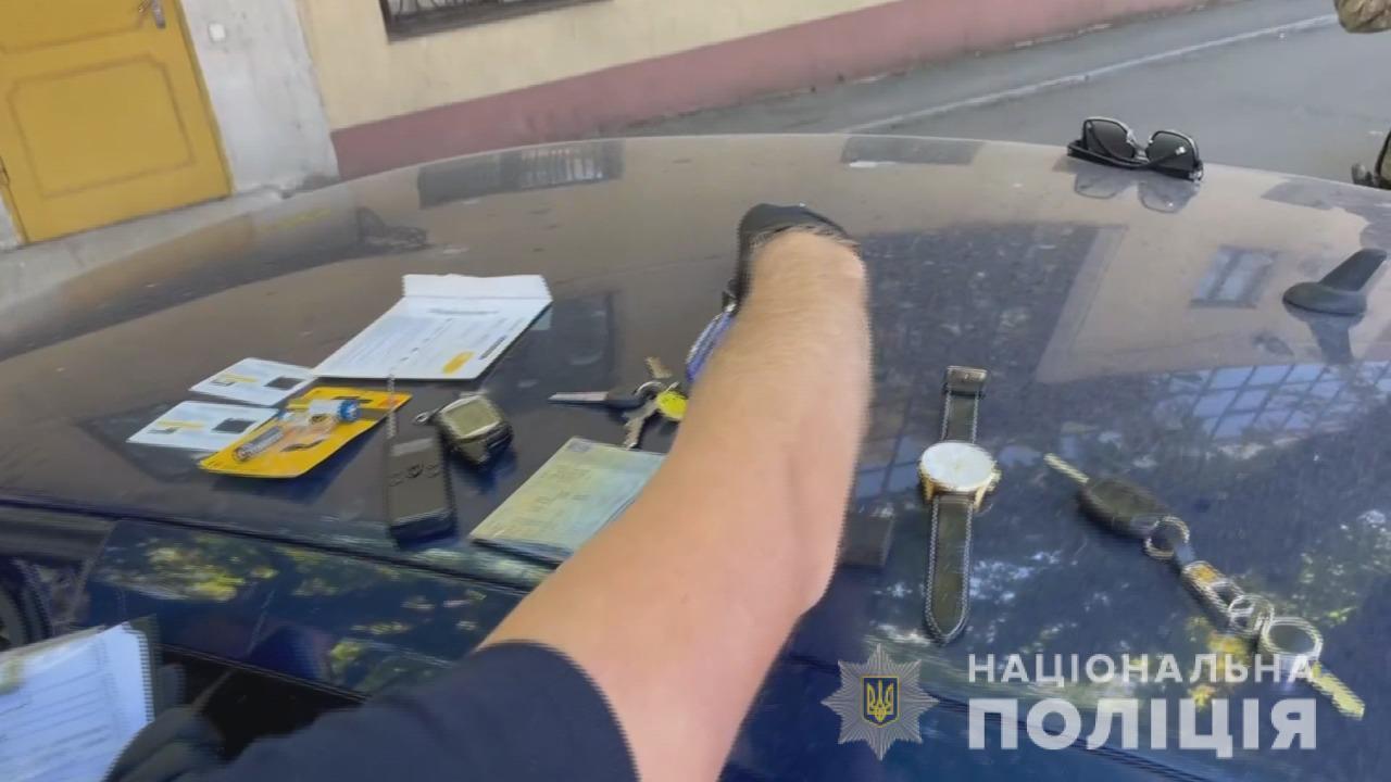 В Одессе задержали банду иностранцев, промышлявших кражами из элитных авто