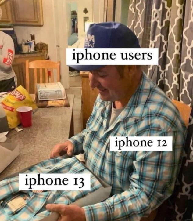 В соцсетях высмеяли новый iPhone 13: подборка самых ярких шуток и мемов