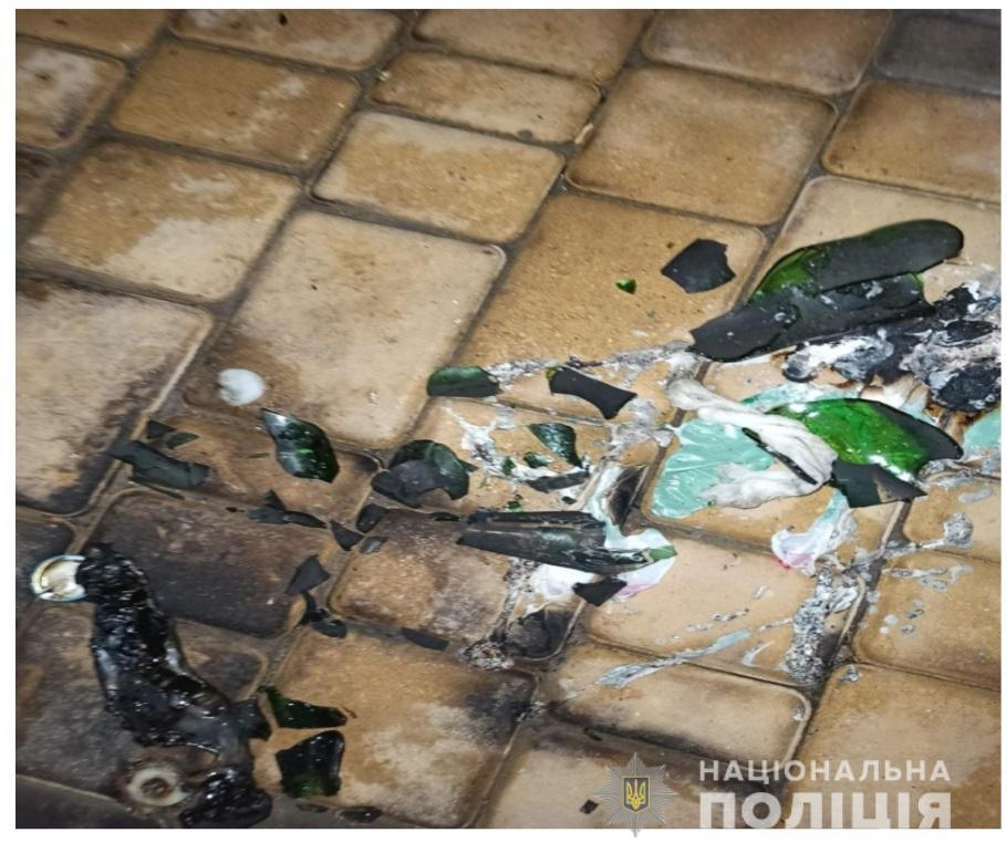 Взлом с поджогом: в Болграде горел продуктовый магазин