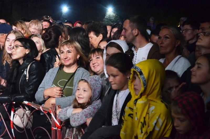 Аккерман отпраздновал День города с Артемом Пивоваровым и эффектным салютом (фоторепортаж)