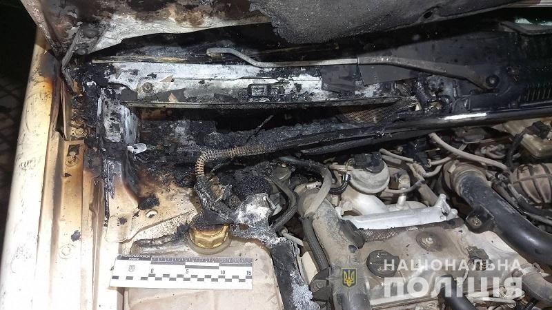 В Татарбунарах неизвестные подожгли машину: полиция разыскивает злоумышленников