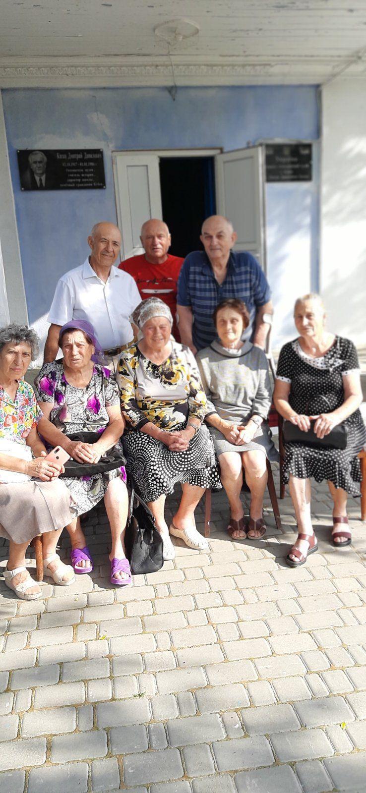"""Вечно молодой """"11-А"""": в Кубее Болградского района школьные выпускники встретились спустя 55 лет со дня окончания школы"""