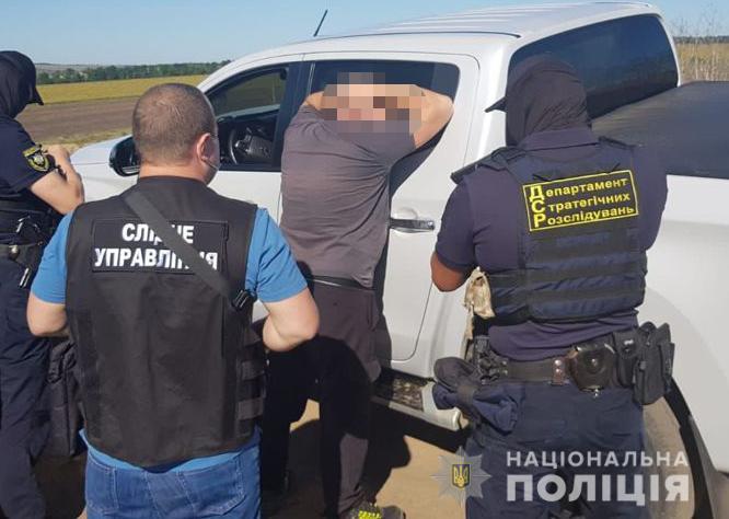 """В Одесской области """"черные"""" лесорубы во главе с депутатом горсовета """"нарубили"""" почти 1 млн грн"""