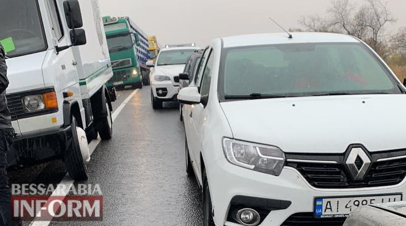 Из-за ДТП в районе Кирничков проезд по трассе Одесса-Рени затруднен