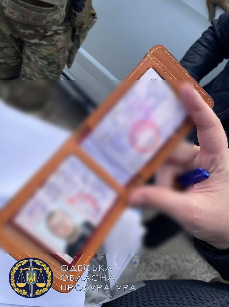 """2 тыс гривен с лодки в неделю: начальник отдела охраны Нижнеднестровского НПП наладил схему """"сотрудничества"""" с браконьерами"""